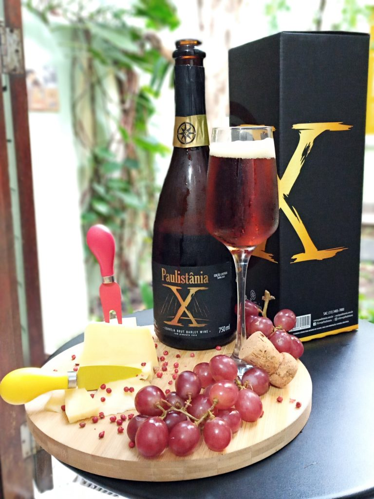 Paulistânia X harmonizada com uma tábua de queijo Gruyère Reserva de Cruzília