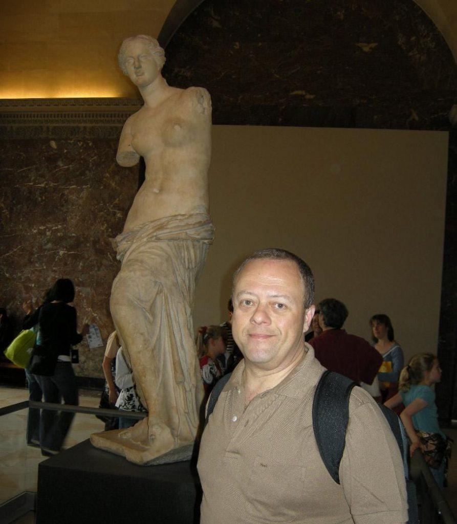 Vênus de Milo no museu do Louvre em Paris