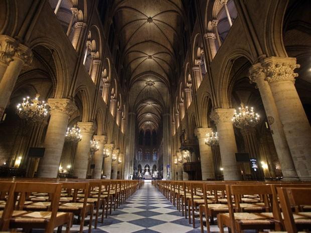 paris 2 bolero de ravel e a nave da Catedral de Notre Dame